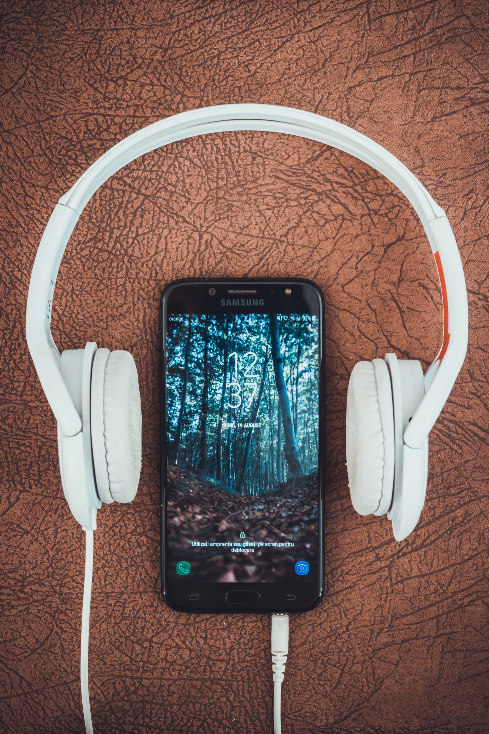 Running with music? Or without?